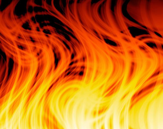 燃えさかる炎(フリー画像)